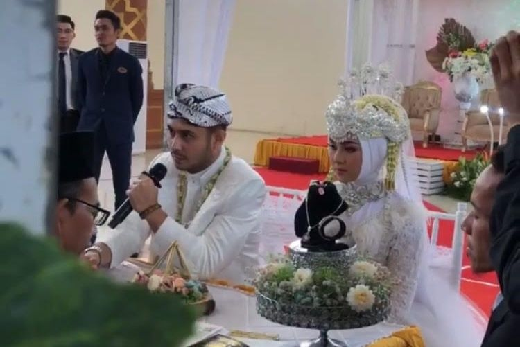 Tak Diekspos, Ini 5 Fakta Pernikahan Meidian Maladi & Gina Fitri