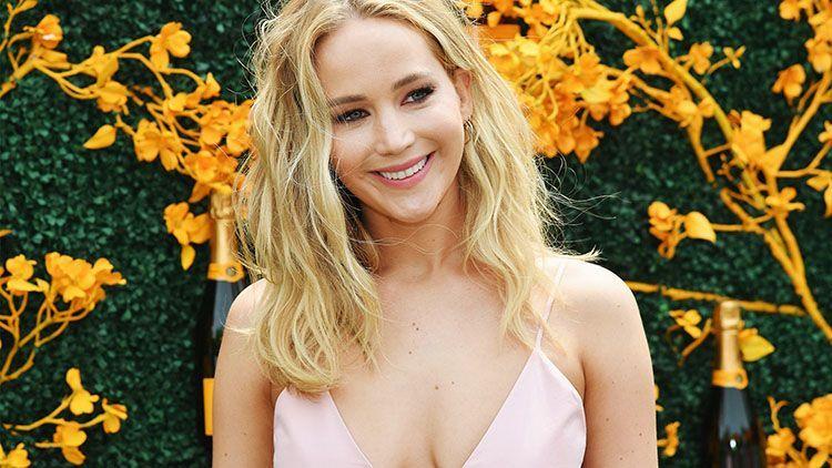 Ketahuan Datangi Biro Pernikahan, Jennifer Lawrence Sudah Menikah?