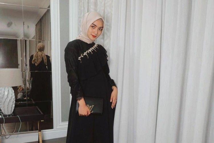 5 Gaya Terbaru Citra Kirana dengan Hijab yang Makin Menawan