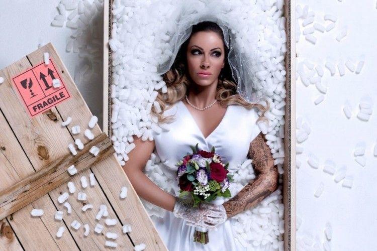 Bisa 'Pesan' Istri Lewat Online, Ini 8 Peraturan Mail Order Brides