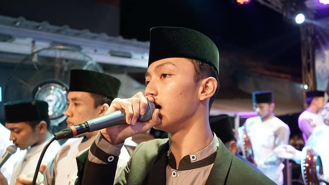 Fakta Unik Azmi Askandar, Pria yang Dekat dengan Wirda Mansyur