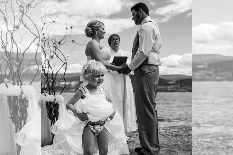 Bikin Ketawa! 15 Foto Tingkah Kocak Anak-Anak di Momen Pernikahan