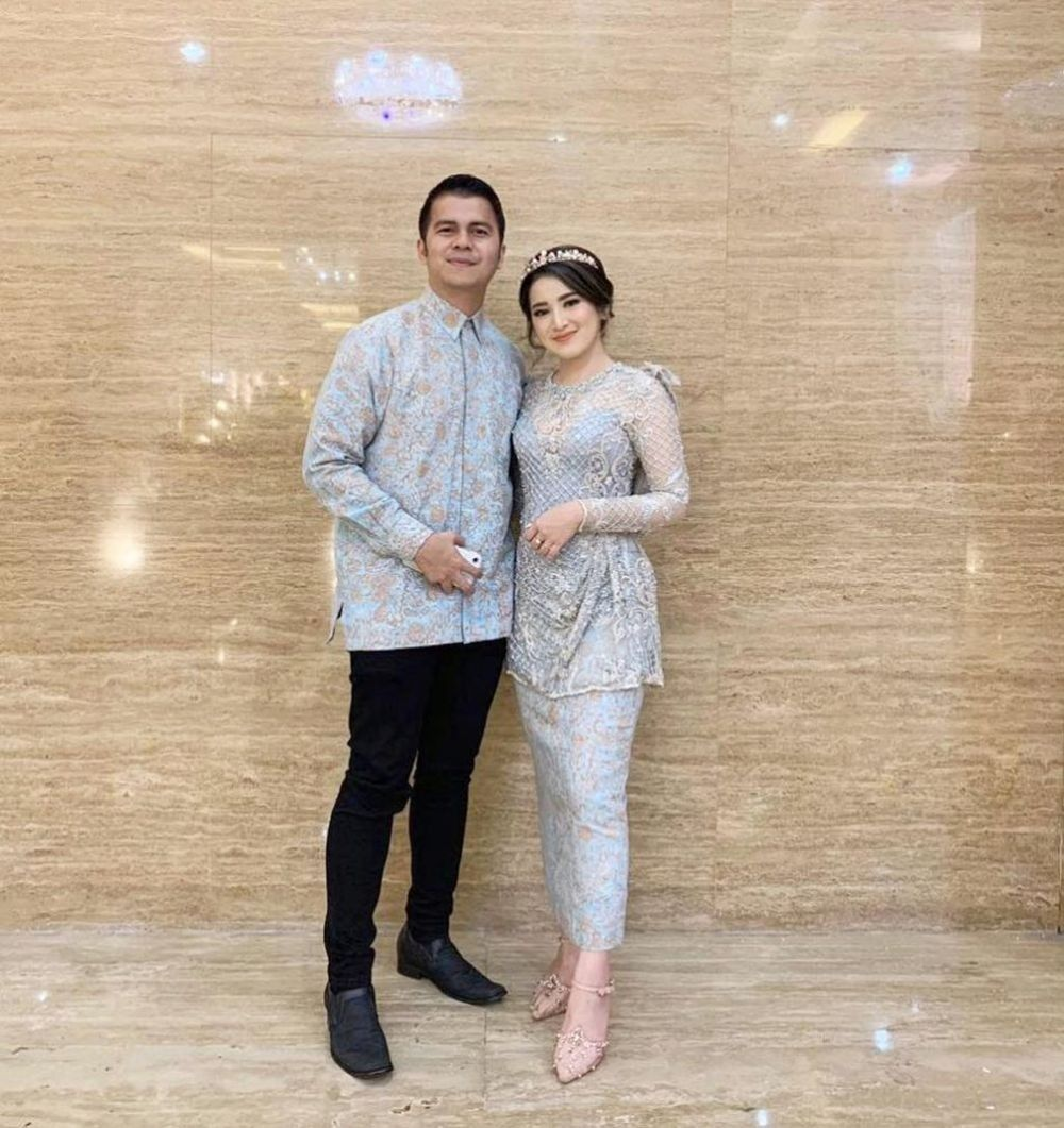 Tiga Tahun Pacaran, 10 Potret Mesra Handika Pratama dan Rosiana Dewi