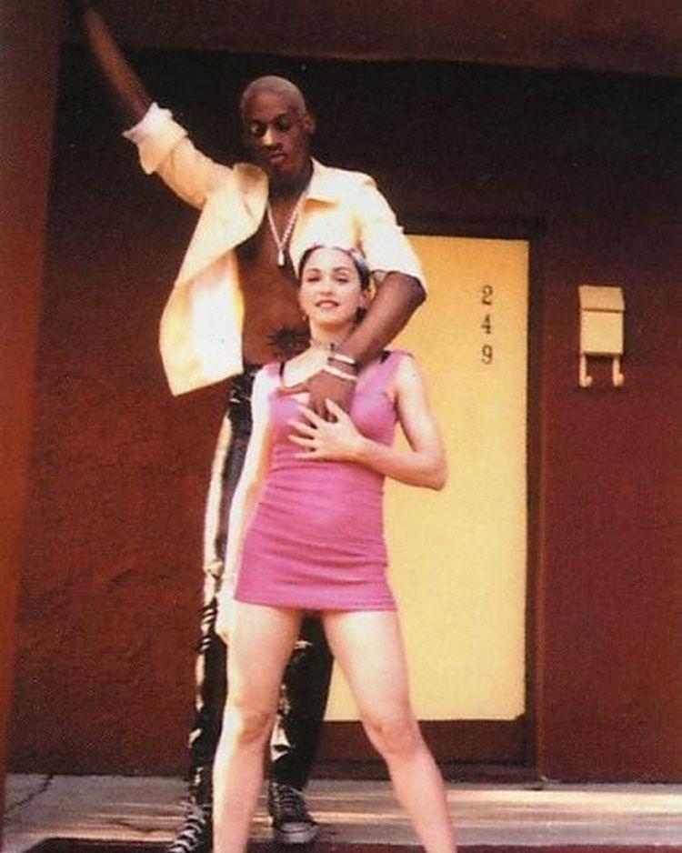 Ingin Punya Anak, Madonna Janjikan Rp282 Miliar pada Dennis Rodman
