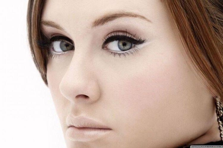 Tips Pakai Eyeliner Sesuai dengan Bentuk Mata, Buat Kerlinganmu Indah!