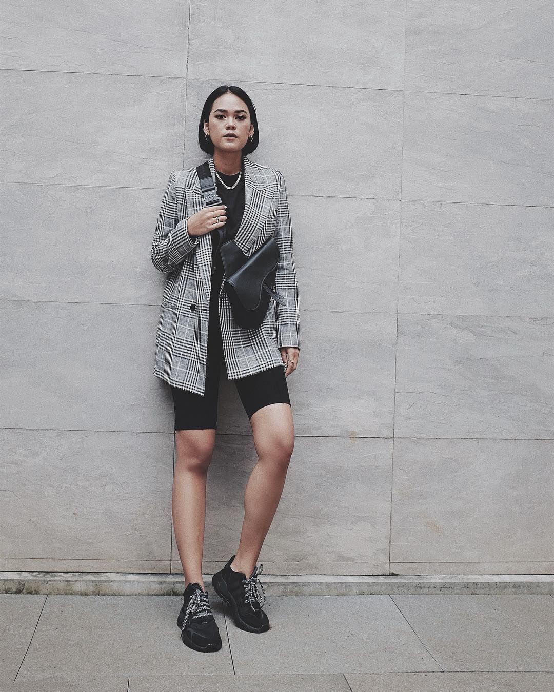Anti Mainstream, Ini 5 Trik Kenakan Blazer yang Edgy dari Kallula