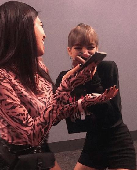 10 Potret Persahabatan Lisa 'BLACKPINK' dan Niki Zefanya