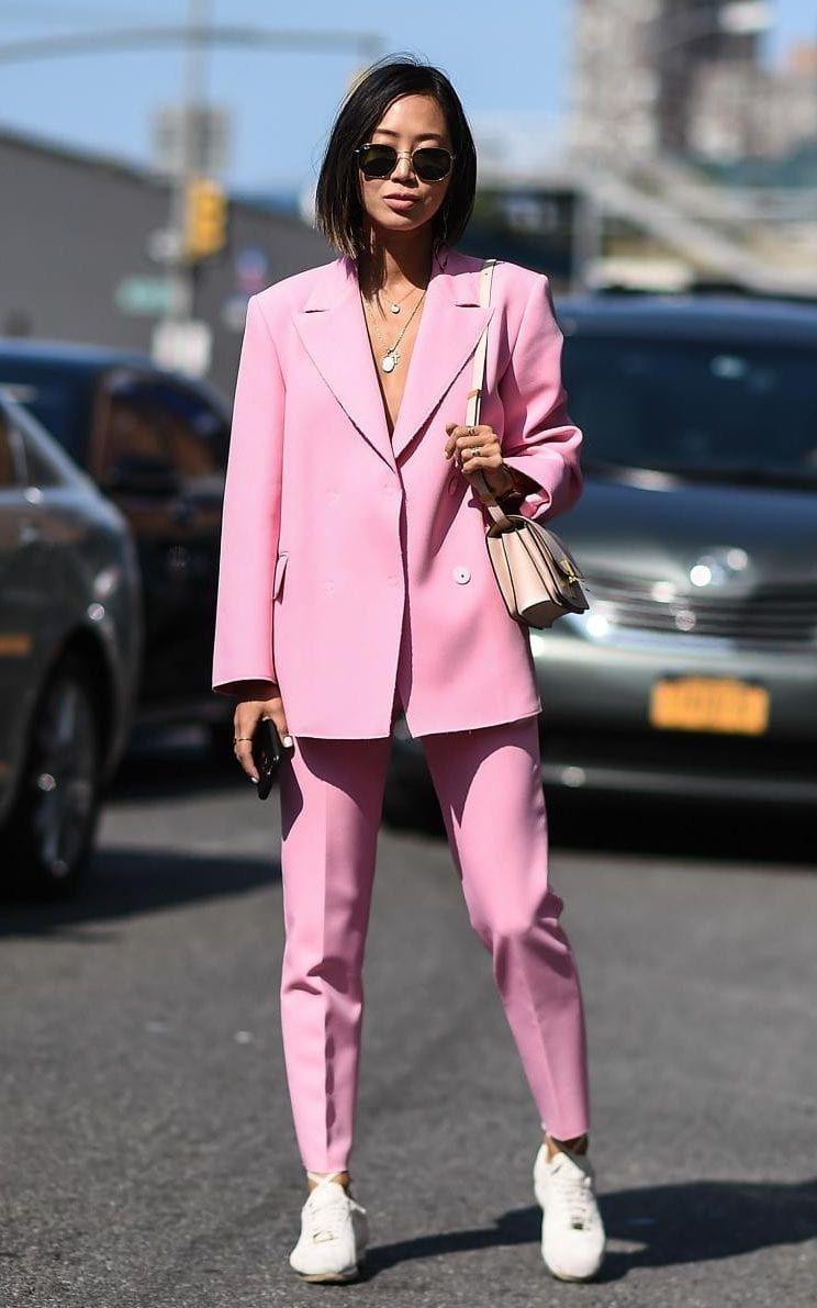7 Cara Mix & Match untuk Tampil Beda dengan Baju Warna Pink