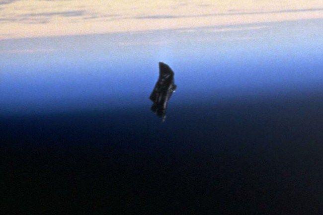 10 Foto Misterius yang Bakal Bikin Bulu Kudukmu Merinding!