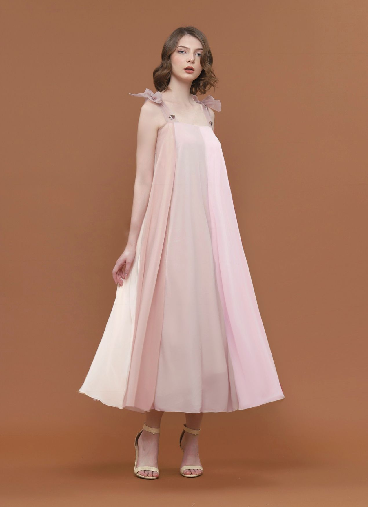 #PopbelaOOTD: Pilihan Dress untuk Datang ke Pernikahan Outdoor