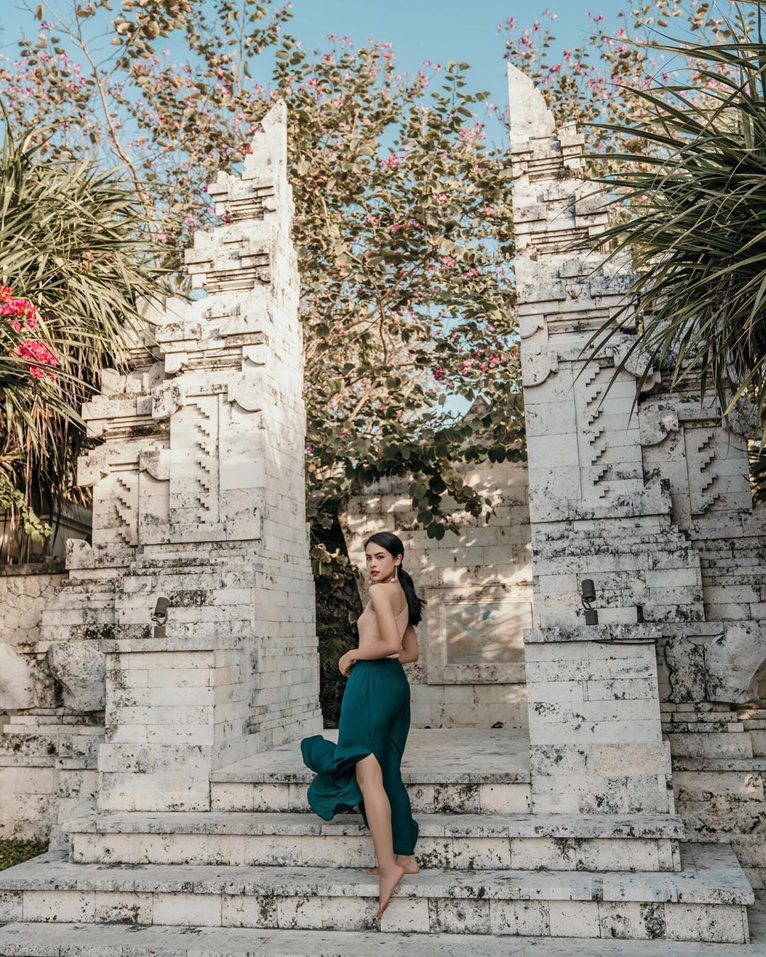 5 OOTD Anggun Maudy Ayunda, Si Pemeran Ainun Muda