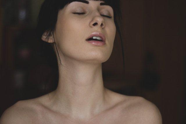 7 Trik Seksi yang Justru Bikin Laki-laki Ilfeel