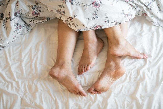 Penyebab Penis Bengkok dan Solusi Agar Tidak Sakit Saat Bercinta