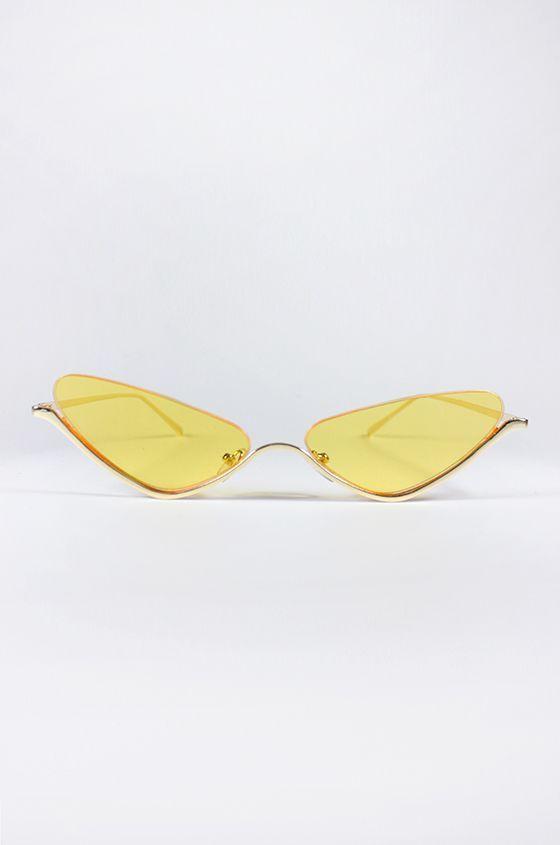 #PopbelaOOTD: Andalkan Fashion Item Warna Kuning untuk Musim Panas