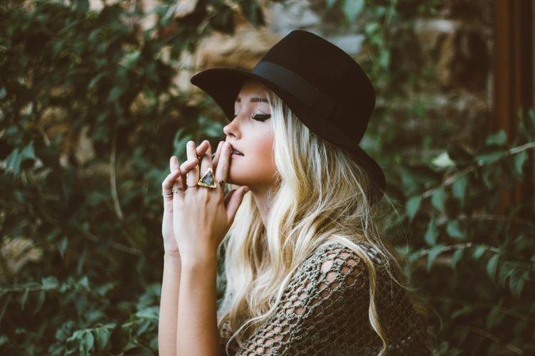 15 Quotes Bijak yang Membuatmu Makin Ikhlas & Kuat Move On dari Mantan