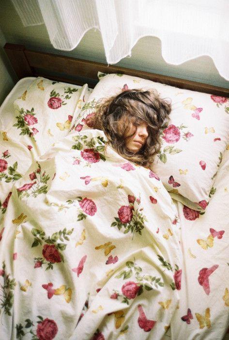 10 Jenis Mimpi yang Dipercaya Orang Membawa Kabar Baik dan Kebahagiaan