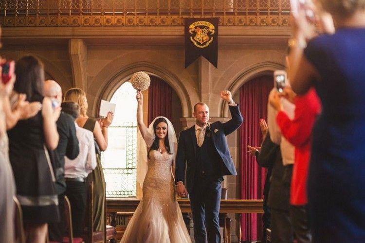 Berani Beda, Pasangan Ini Gelar Pernikahan Bertema Harry Potter