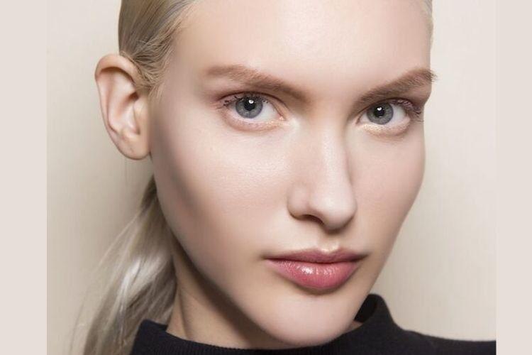 Atasi Bibir Gelap dengan 7 Produk Pencerah Bibir yang Wajib Kamu Coba