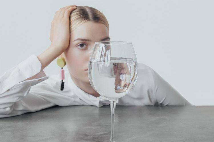 7 Cara Minum Air Putih yang Tepat untuk Turun Berat Badan dengan Cepat
