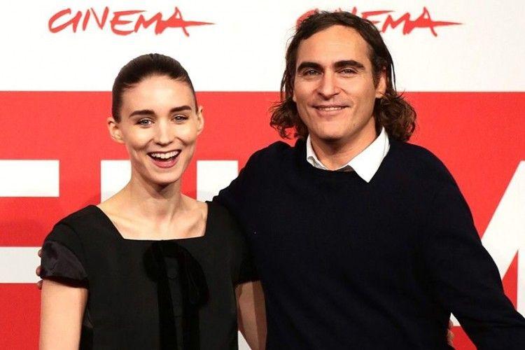 Internet Awali Kisah Cinta Sang Joker, Joaquin Phoenix dan Rooney Mara