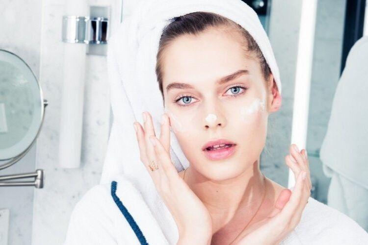 5 Kesalahan Skincare Routine Malam yang Mungkin Nggak Kamu Sadari