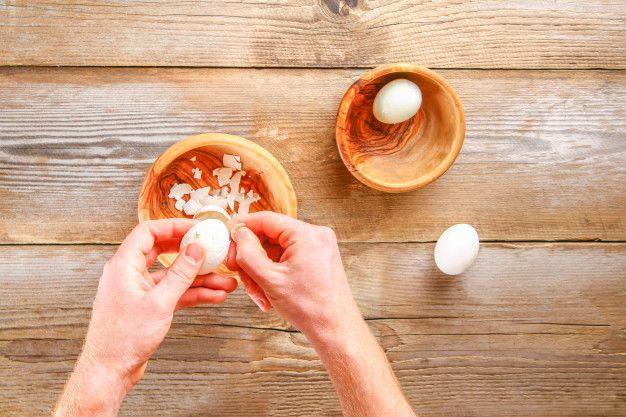 Cara Mengupas Telur Rebus dengan Mudah