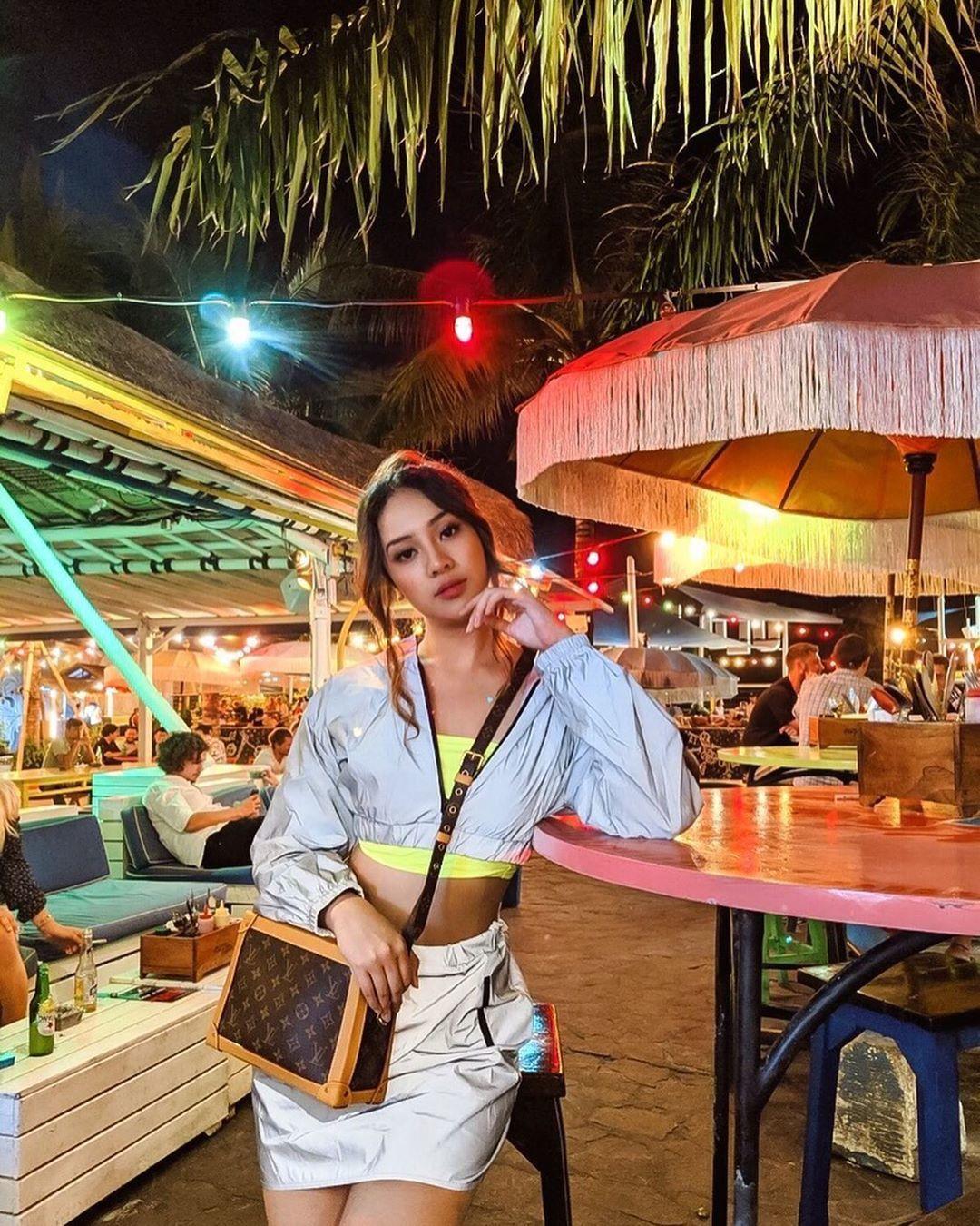 Bali, Inilah Potret Traveling ala Anya Geraldine