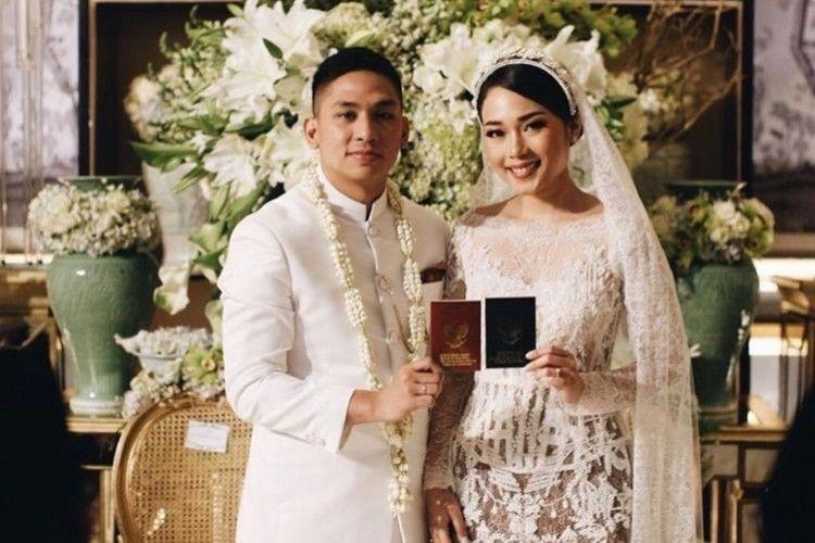 Bahagia Hingga Haru, 10 Foto Pernikahan Ayla Dimitri & Rama Devara