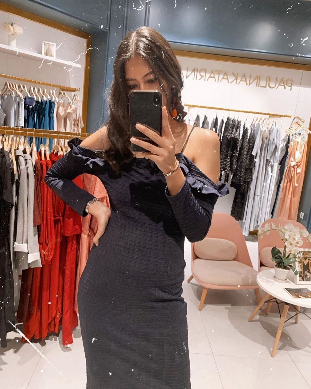 Hamil 6 Bulan, 10 Potret Anggun Paula Verhoeven dengan Baby Bump