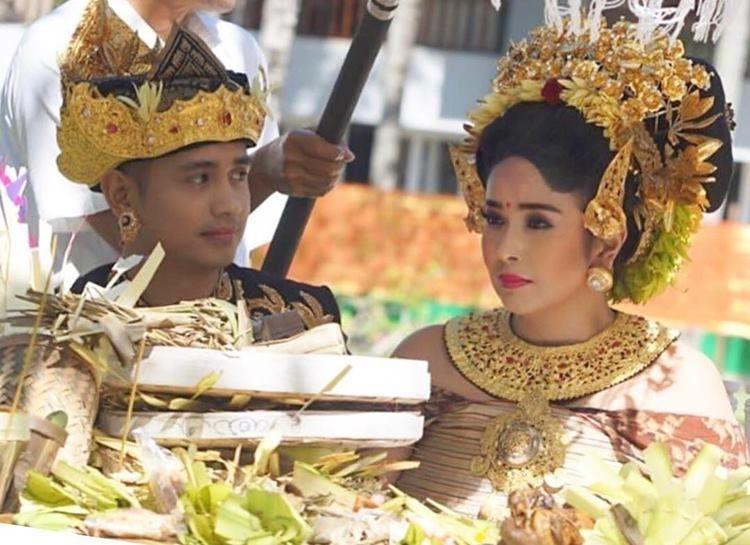 Jerinx 'SID' dan Deretan Seleb yang Menikah dengan Prosesi Adat Bali