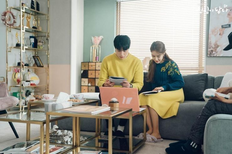 10 Gaya OOTD Couple ala Pasangan Drama Korea, Siapa Paling Serasi?