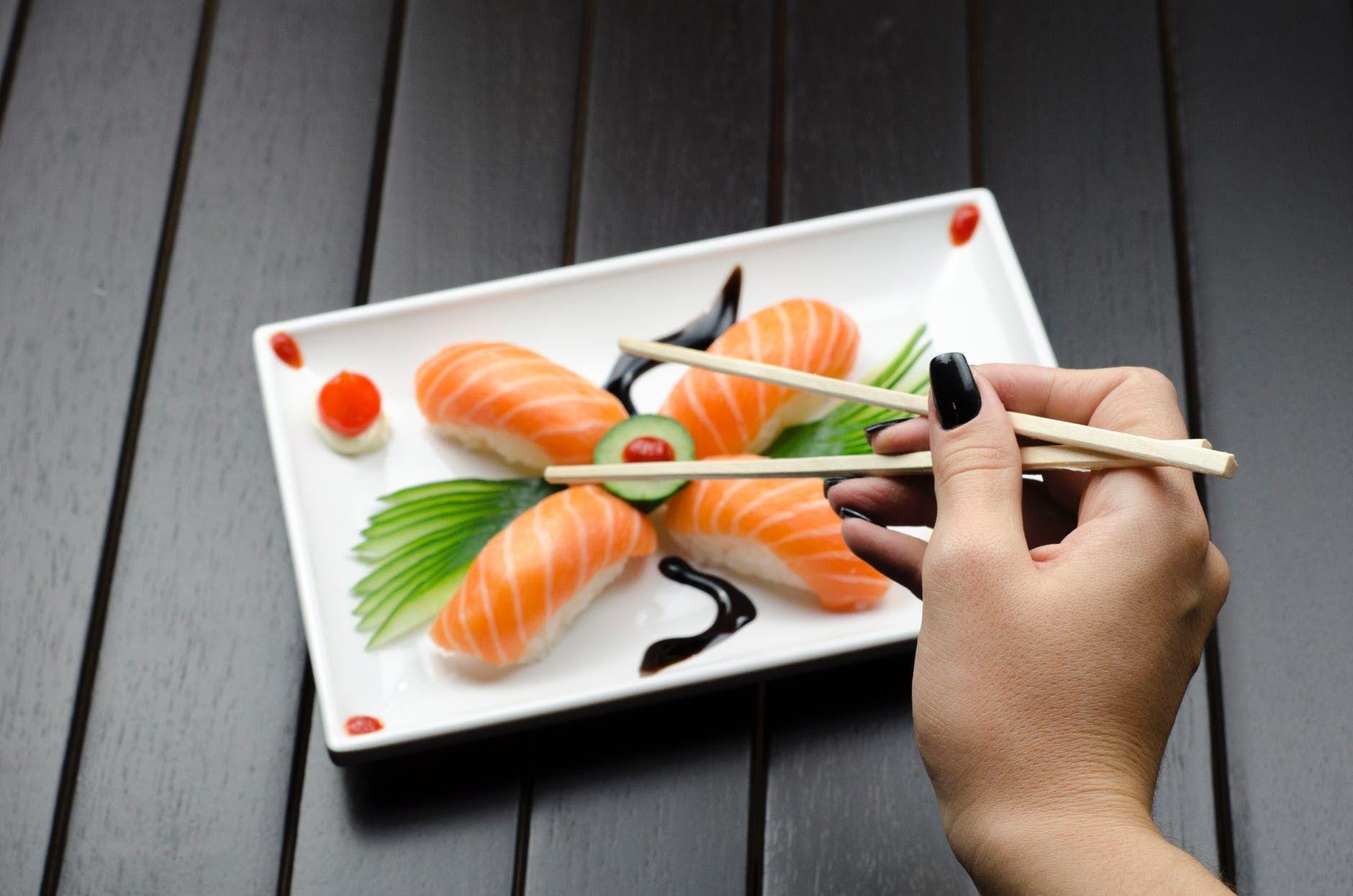 Kesalahan yang Sering Dilakukan Saat Makan di Restoran