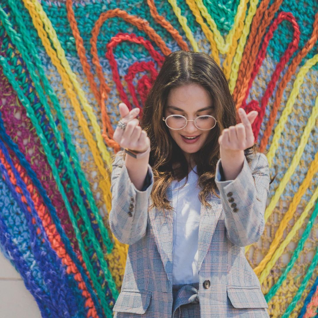 Hingga 13 Juta, Ini Kacamata Hitam Mahal Milik Artis Indonesia
