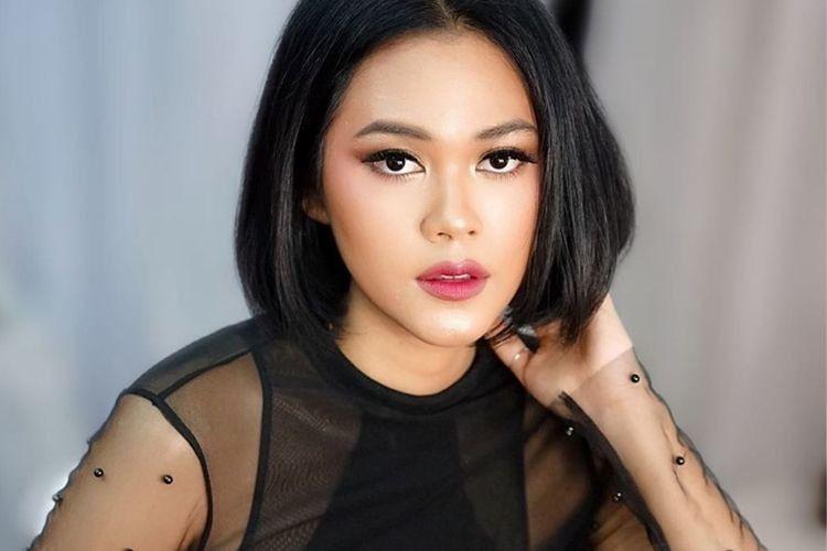 Contek 7 Gaya Lipstik Pergi ke Pesta A la Seleb Indonesia yang Memukau