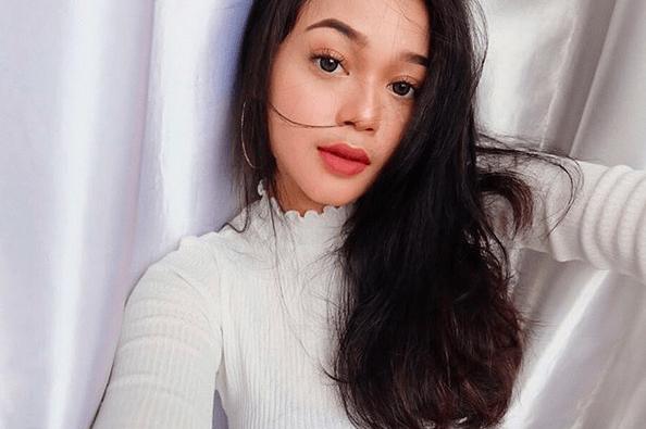 10 Potret Cecillia Gina, Putri Limbad yang Berparas Jelita & Berbakat
