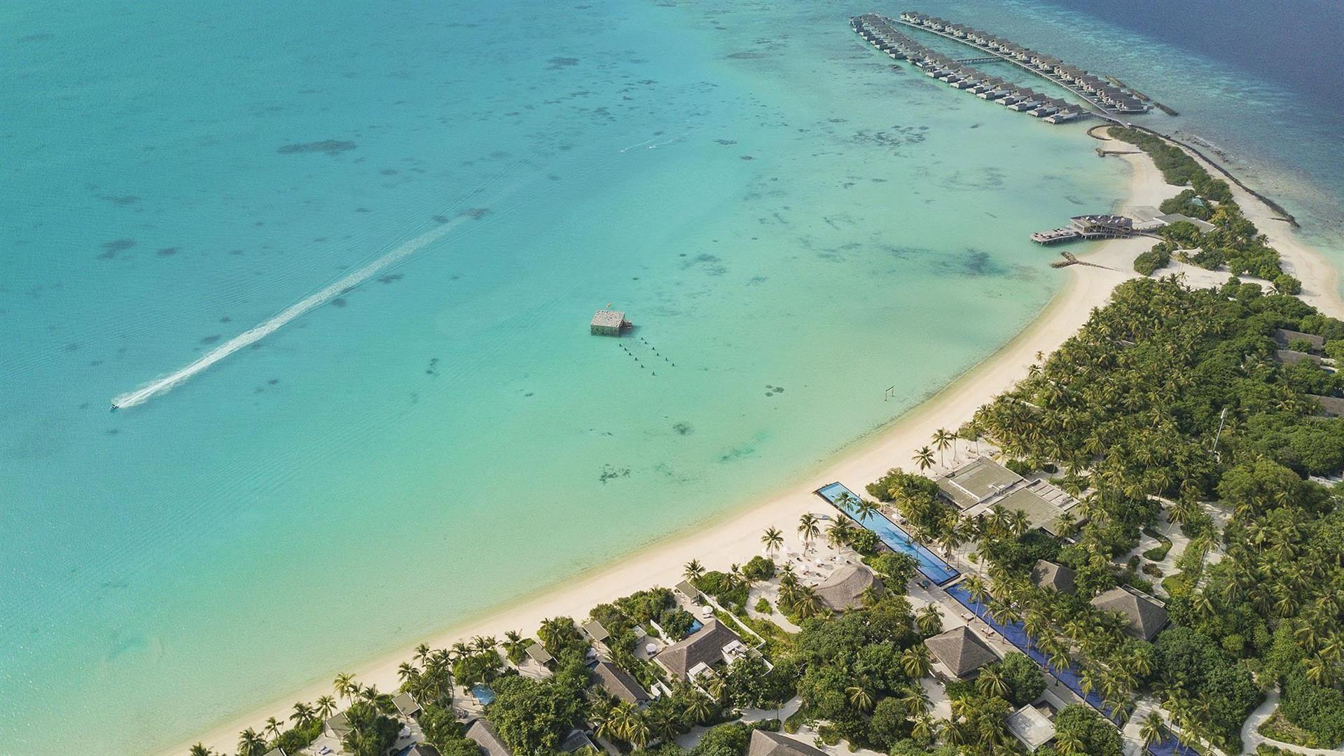 Keindahan Sirru Fen Fushi Resort yang Miliki Kolam Renang 200 Meter