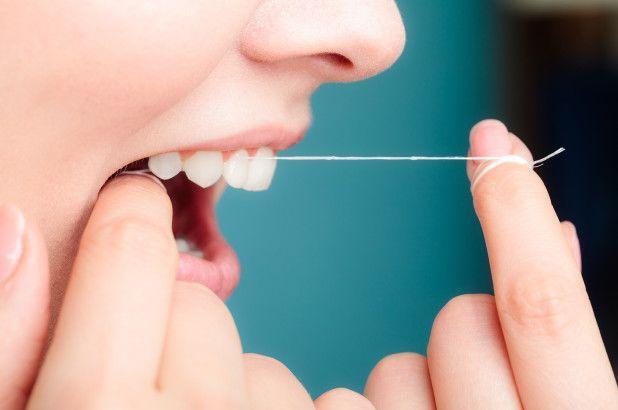 Jangan Sampai Numpuk, Ini 7 Penyebab Karang Gigi yang Biasa Diremehkan