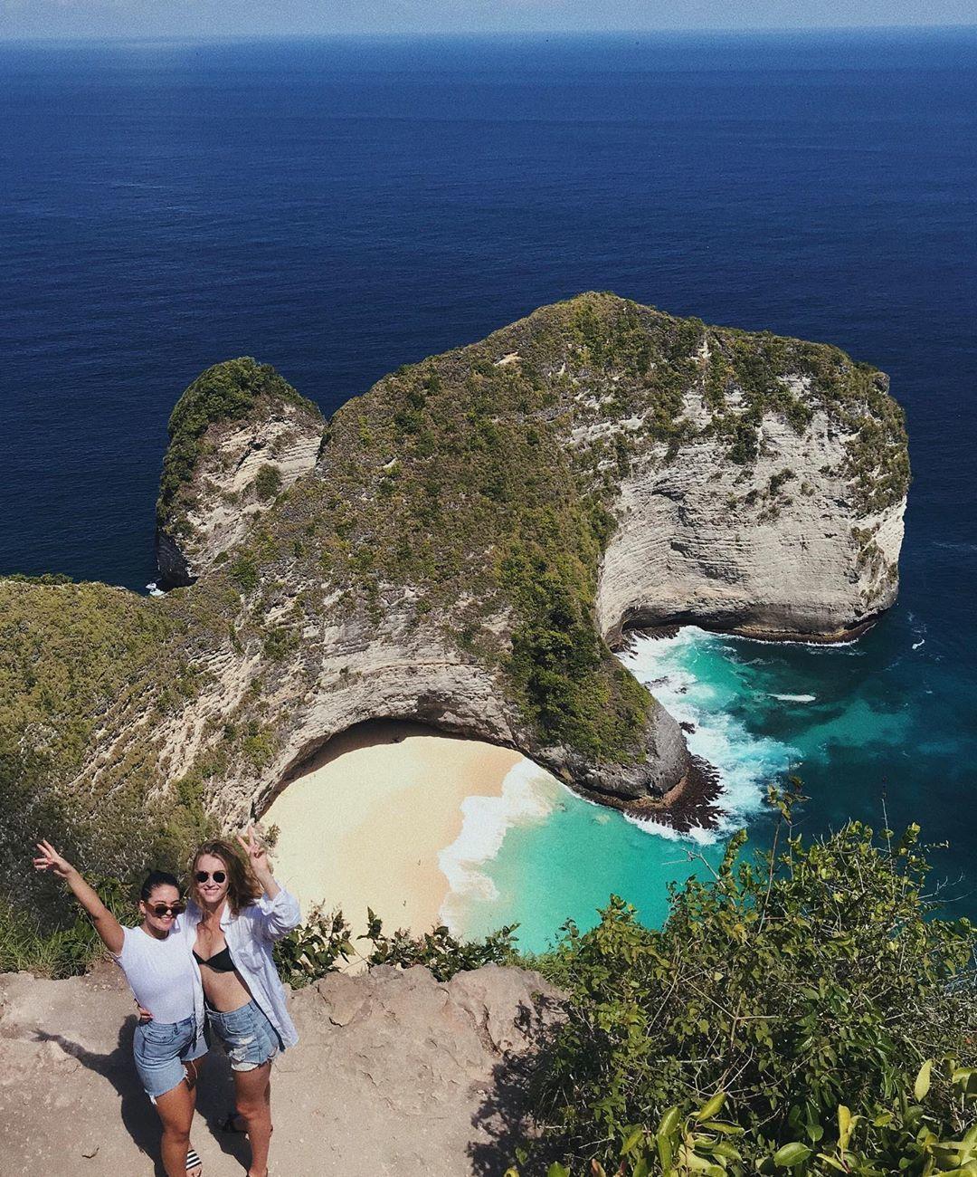5 Lokasi di Bali yang Pernah Dikunjungi Pacar Liam Hemsworth