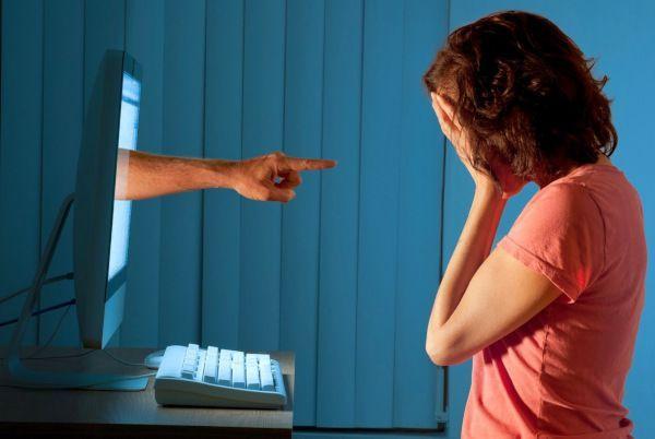 Nggak Sepele, Ini Dampak Cyberbullying yang Harus Kamu Tahu