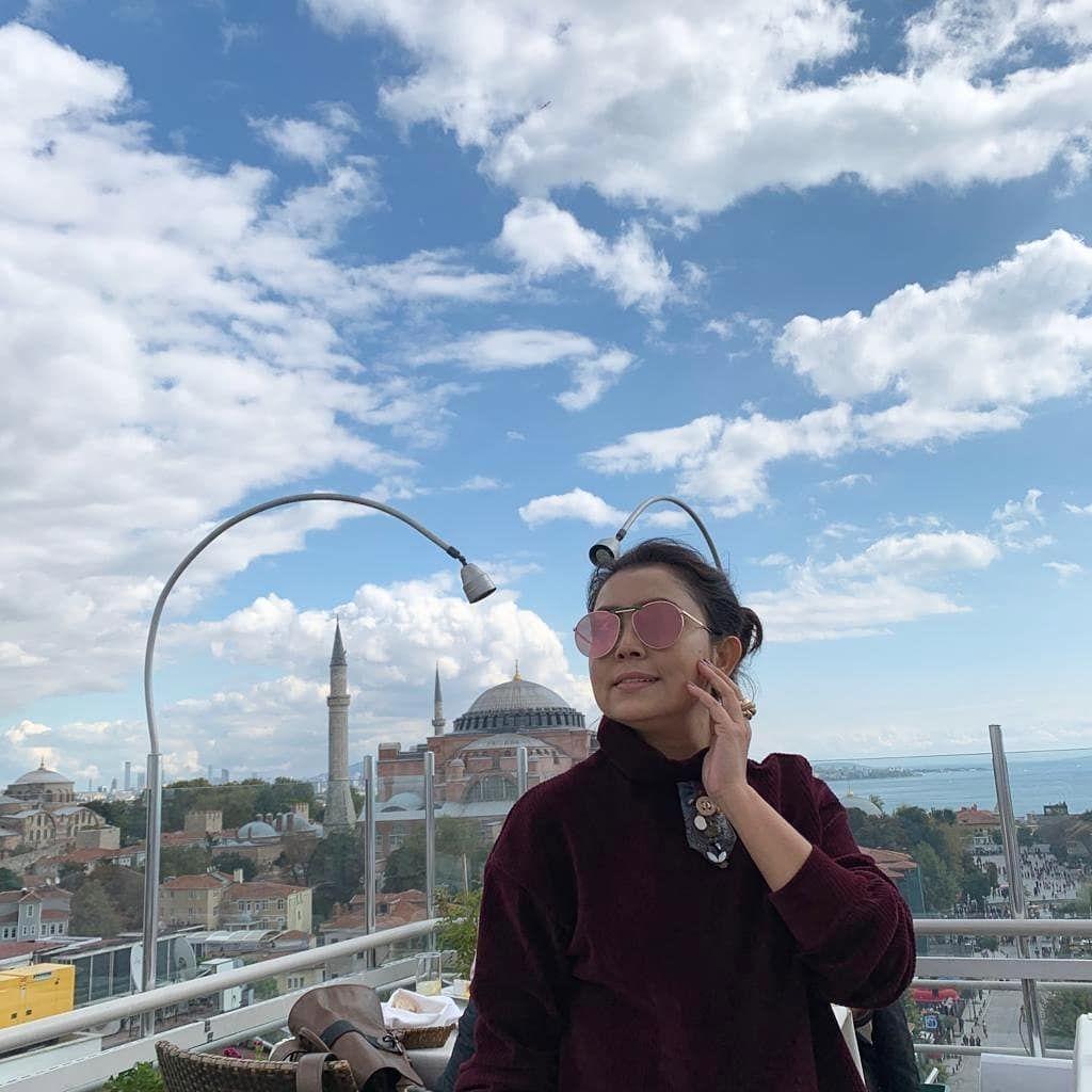 Serba Mewah, 9 Potret Liburan Mayang Sari dan Keluarga di Turki