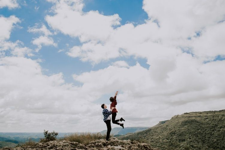 7 Tanda Hubunganmu Tetap Bertahan Meski Ujian Datang Silih Berganti
