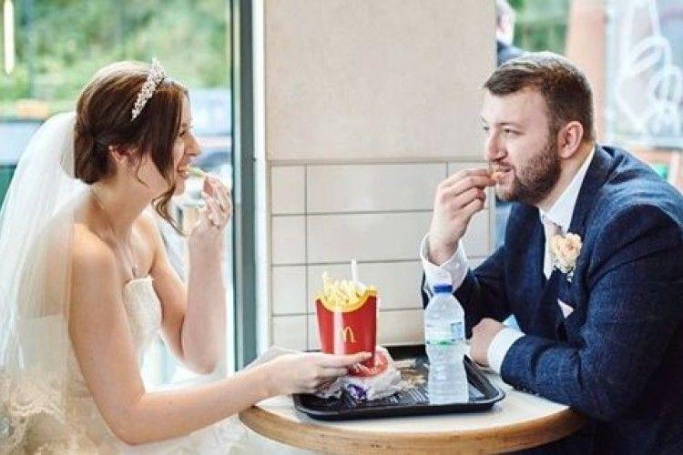 Modal 4 Juta, Pernikahan Pasangan Ini Diadakan di McDonald's