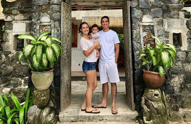 Jauh dari Gosip, Intip Keharmonisan Rumah Tangga Alexandra Gottardo