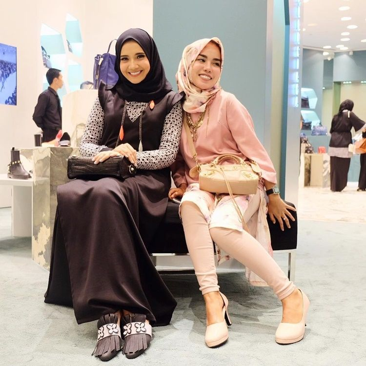 10 Momen Persahabatan Zaskia Sungkar dan Medina Zein Sebelum Berseteru