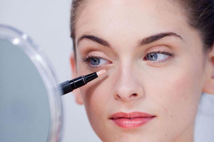 Apakah Kandungan Aktif Pada Makeup Bekerja dengan Baik? Cari Tahu Yuk!