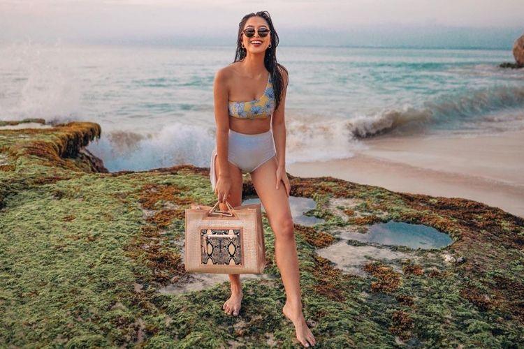 Seksi! Aksi Para Selebgram Indonesia saat Memakai Bikini