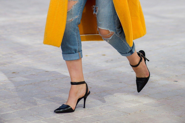 Sering Salah, Begini Cara Membersihkan Sepatu High Heels yang Benar