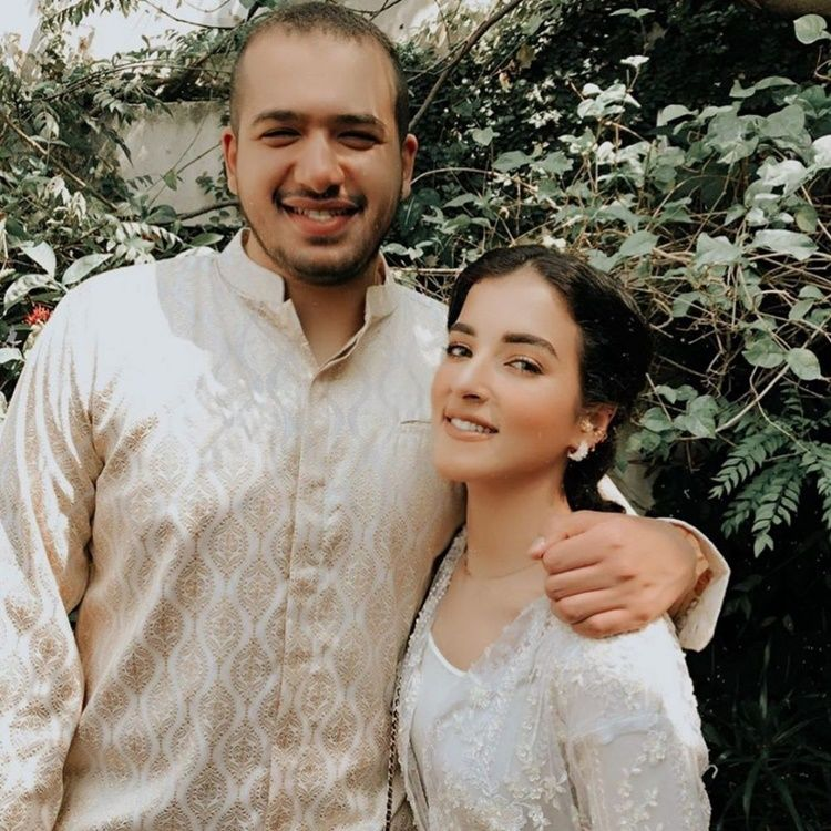 10 Foto Mesra Tasya Farasya bersama Suami yang Jarang Terekspos