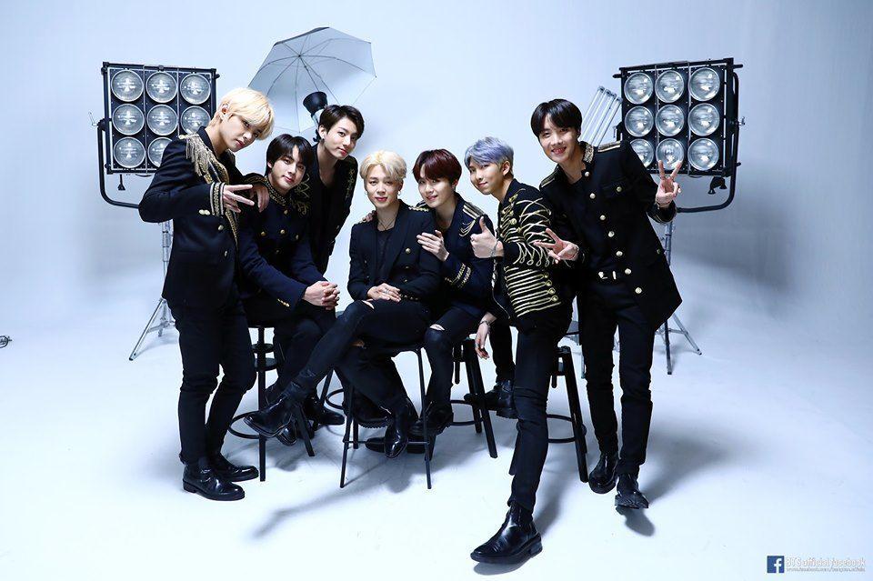 Bukan Keluar, Jin Dikabarkan Vakum dari BTS Karena Hal Ini