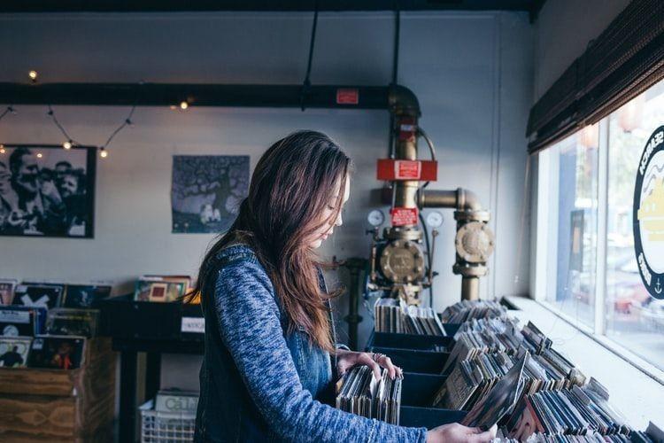 8 Sikap Sederhana Cewek yang Jadi Pujaan Banyak Cowok